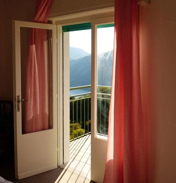 Как правильно проветривать спальню перед сном?