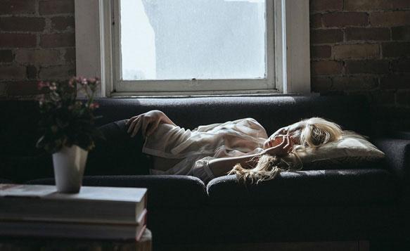 Правильные позы во время сна и их зависимость от характера человека