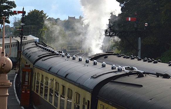 снится поезд