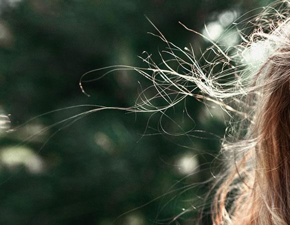 Волосы во сне выпадают