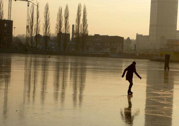 К чему снится каток кататься на коньках