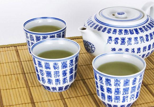 Зеленый чай по утрам