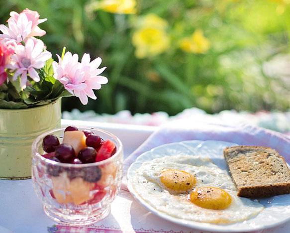 Завтрак в постель – делаем приятное близким