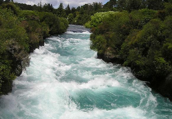 снится река