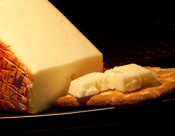 Приснился сыр с дырками