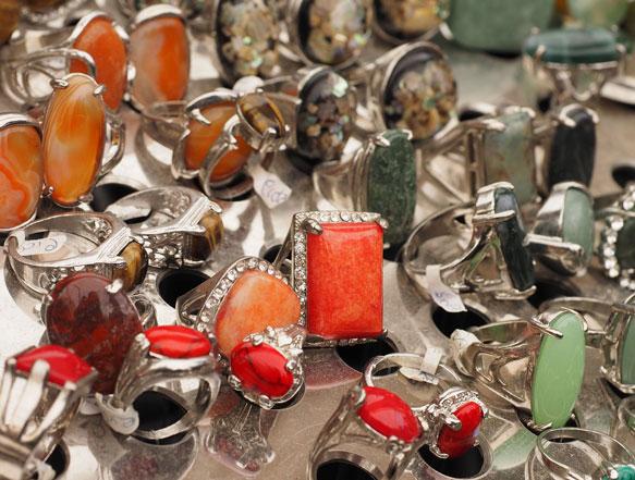 к чему снятся украшения с камнями