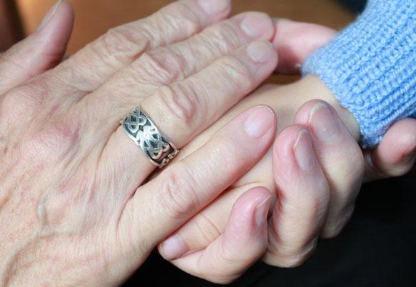 К чему снится покойная бабушка внучке