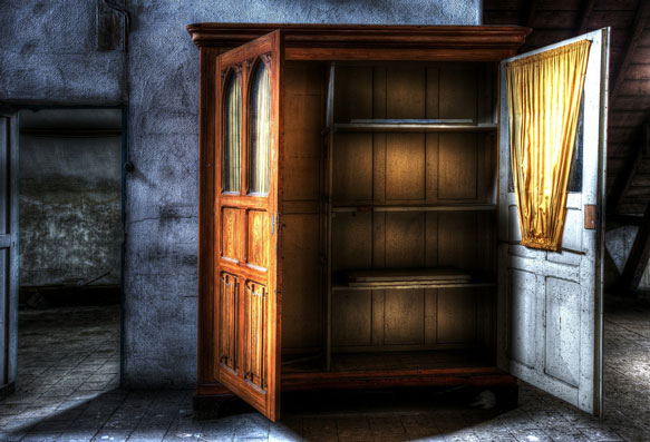 к чему снится шкаф