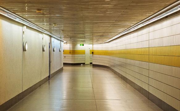 к чему снится коридор