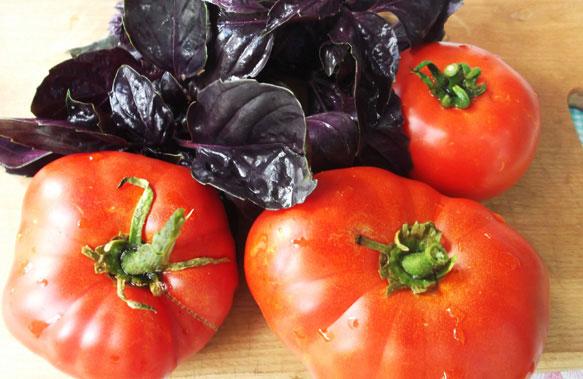Мой сон: я открываю пакет с помидорами а они там лежат немного подгнившие а некоторые перезрелые и вытекающие соком можно сказать раздавленные!